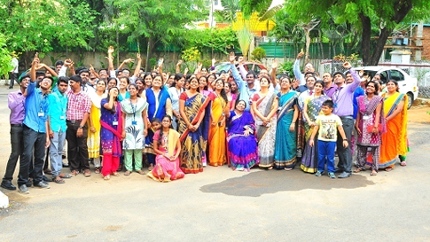 Group Photo of students and faculty with the Chief guest